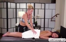 Jaye Summer and India Summer help each other orgasm