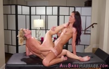 Oiled and massaged beauty cums scissoring