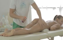 Full body massage with hot babe